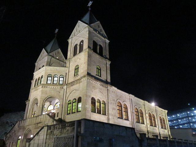 夜のカトリック松が峰教会