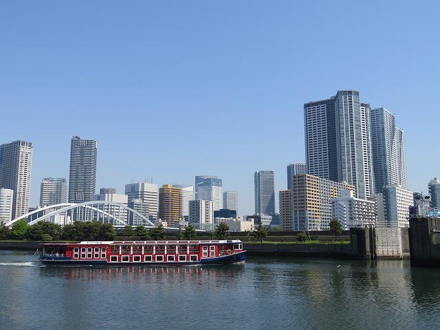 浜離宮恩賜庭園内から見た東京湾