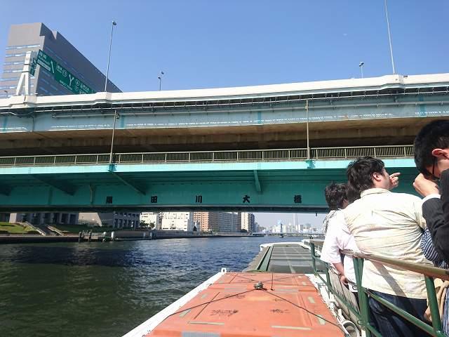 水上バスから見える隅田川大橋