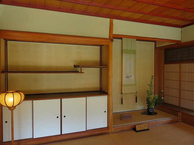 福井県の名勝、養浩館庭園の建物の中