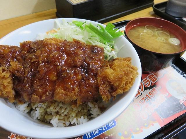 平和島競艇場「かちふね亭」のソースカツ丼
