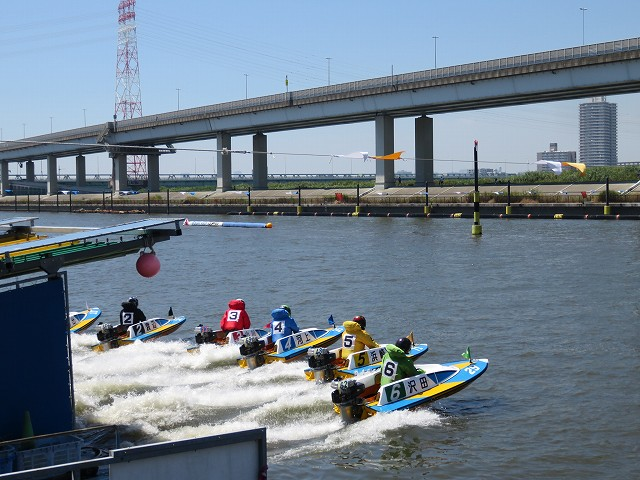江戸川競艇場のピット