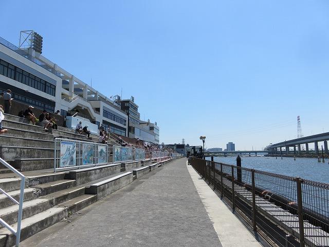 江戸川競艇場のスタンド