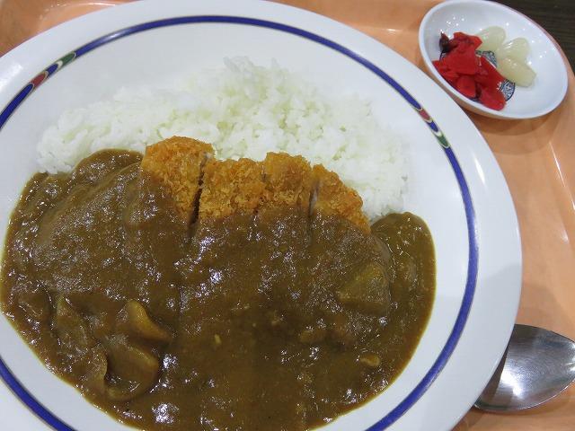 江戸川競艇場1階レストラン「笑和」のカツカレー