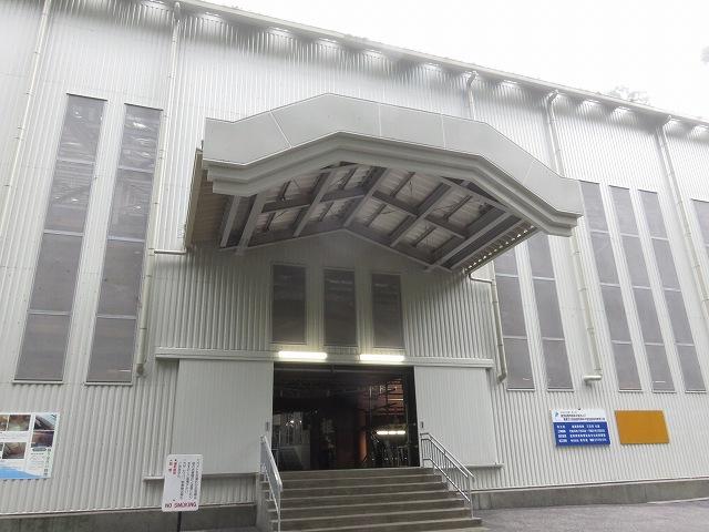 比叡山延暦寺の根本中堂の修理中の外観