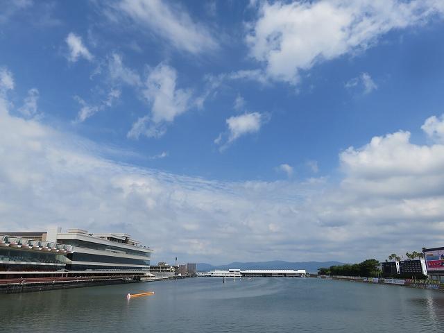 浜名湖競艇場のボートランドから見たレース水面