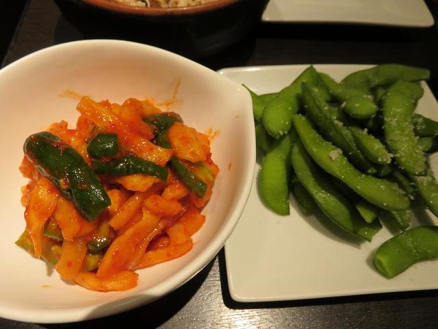 福岡博多もつ鍋「やま中」の大根キムチと枝豆