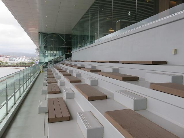 大村競艇場2階のビューイング・デッキ