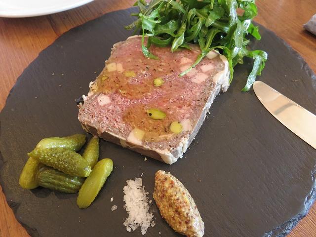 清澄白河フジマル醸造所のレストランの「鳥取県産鹿肉のテリーヌ」