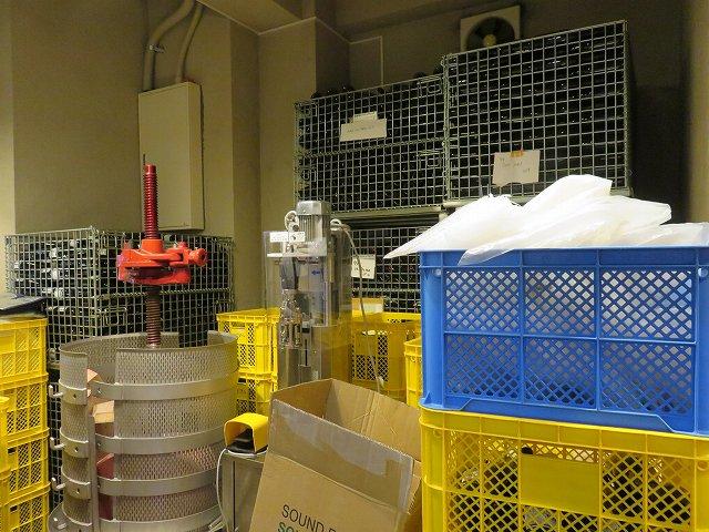 清澄白川フジマル醸造所の1階工場