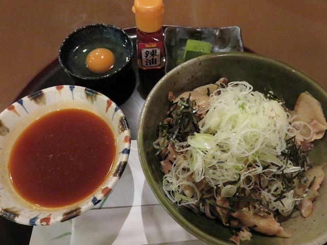 江戸川競艇場の指定席MIYABIのレストラン「takebue」の肉そば