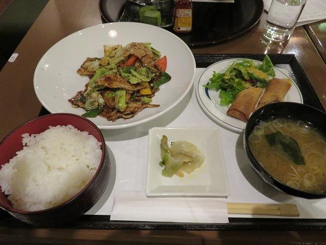 江戸川競艇場の指定席MIYABIのレストラン「takebue」の日替わり定食