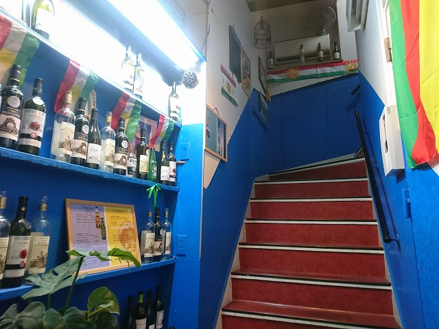 十条駅南口にあるクルド料理店「メソポタミア」の入り口