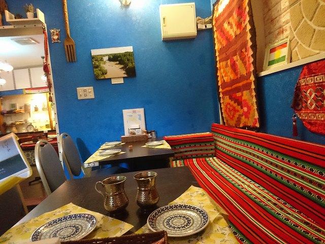 十条駅南口のクルド料理店「メソポタミア」の店内