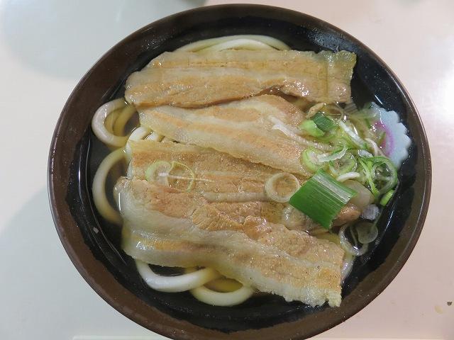 多摩川競艇場の肉うどん