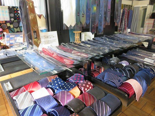 桐生織物記念館のお土産売り場