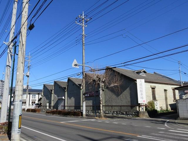 桐生市内にあるのこぎり屋根工場