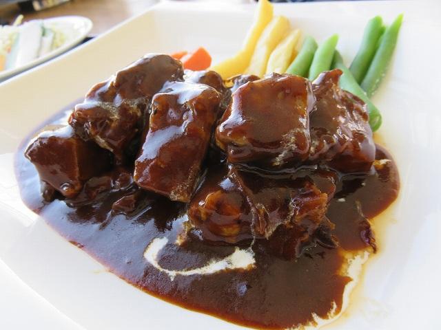 多摩川競艇場の指定席のレストラン「緑水亭」のビーフシチュー