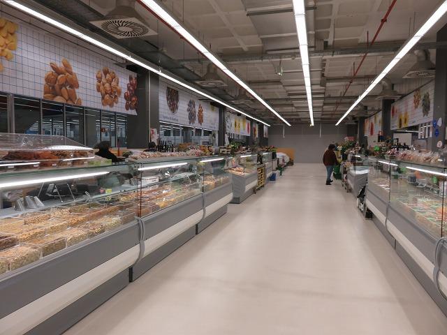 ポルトガルのポルトにある移転後のボリャオン臨時市場