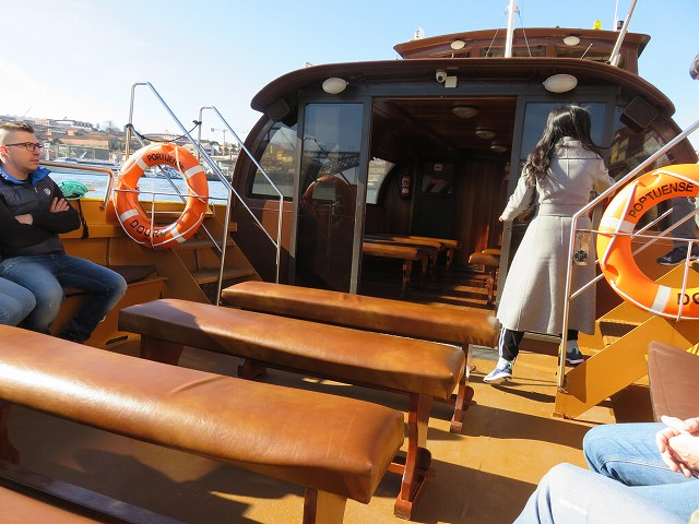 ポルトのドウロ川クルーズ船