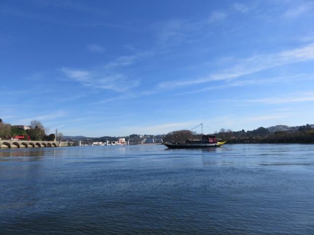 ポルトのドウロ川クルーズ船の折り返し地点