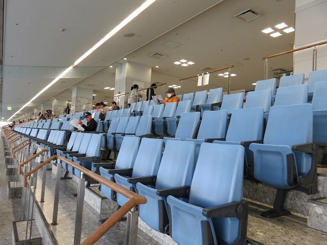 津競艇場の3階一般席