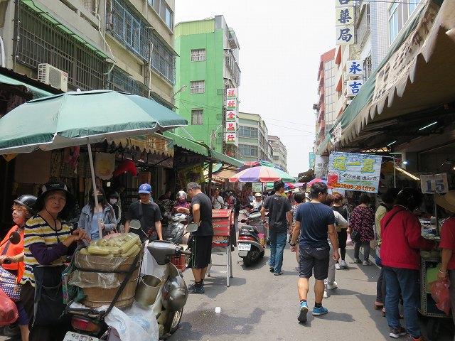 鹿港の第一市場の周りの通り