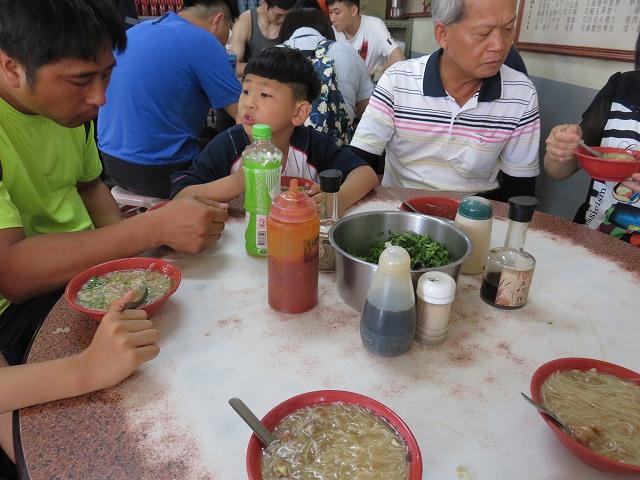 鹿港の第一市場前にある麺線糊専門店「王罔麵線糊」