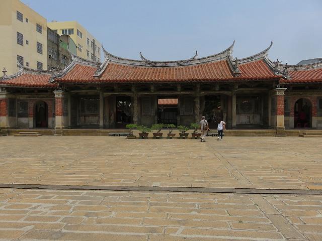 鹿港の龍山寺