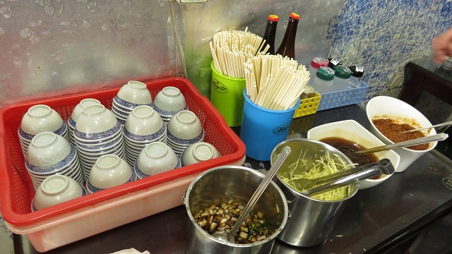 台南の「文章牛肉湯」の店内