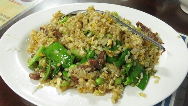台南の「文章牛肉湯」の牛肉炒飯