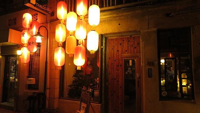 台南の神農街にあるバー「TAIKOO(太古百貨店)」の入り口