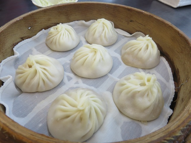 台南の「上海味道小籠湯包」の小籠包