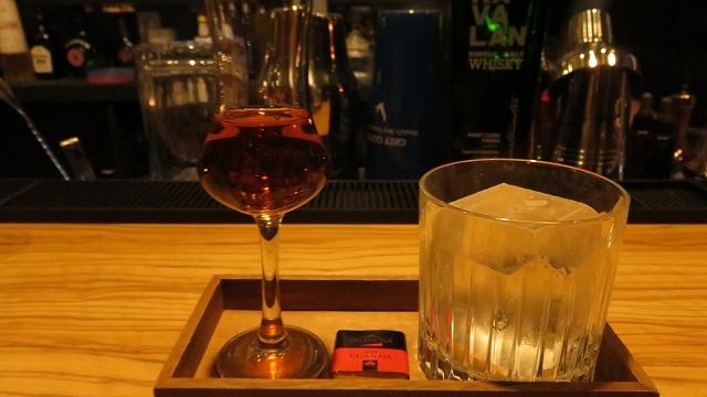 台南の「Bar Mozaiku」のKAVALANストレート