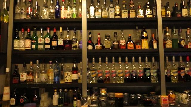 台南の「Bar Mozaiku」のバックバー