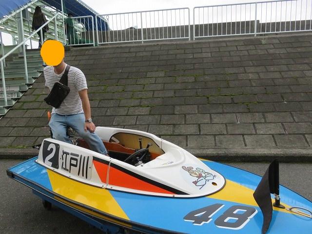 江戸川競艇場のピット内にある展示用ボート