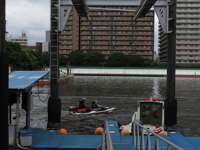 平和島競艇場のペアボートのようす