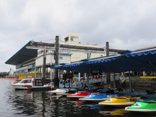 平和島競艇場のピット(ペアボート試乗会)