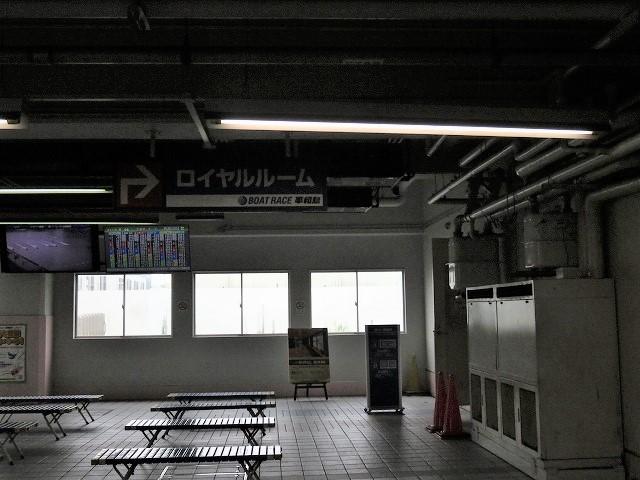 平和島競艇場のロイヤルルーム入り口