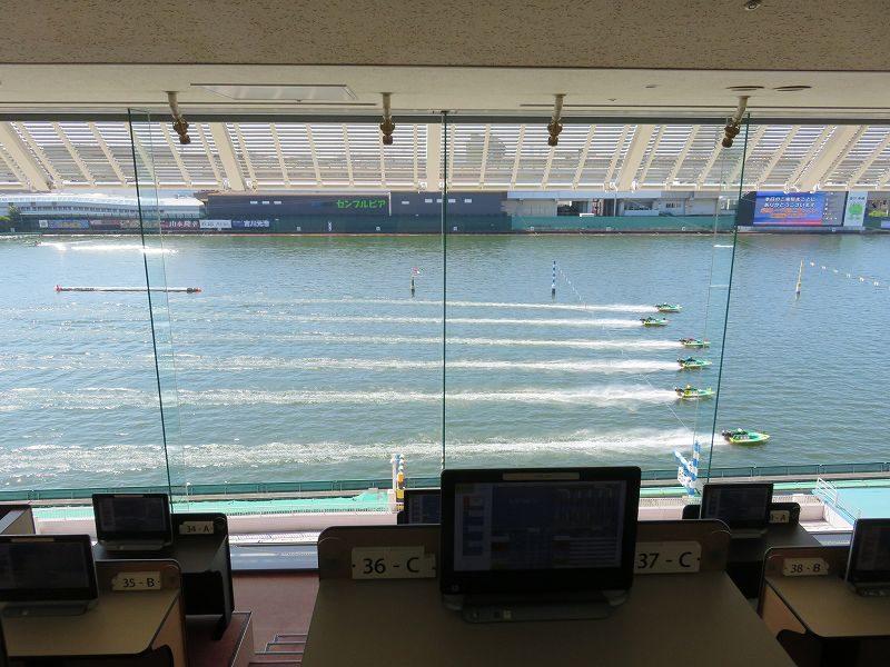 尼崎競艇場の5階有料席からの眺め