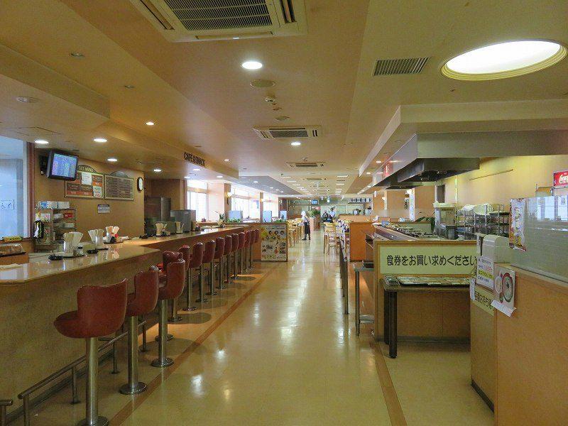 尼崎競艇場の2階レストラン「水明」の店内のようす