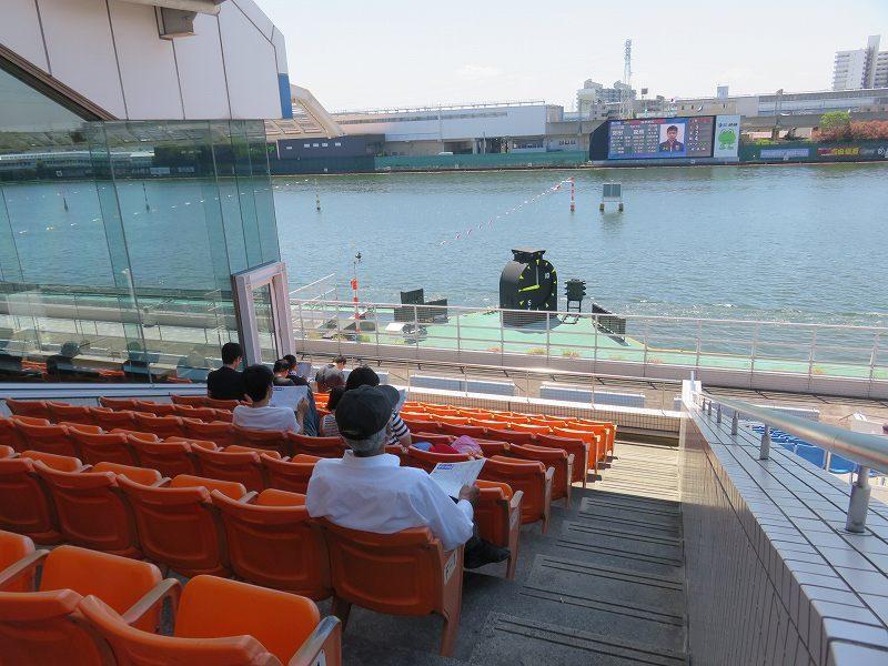尼崎競艇場の3階から見た水面