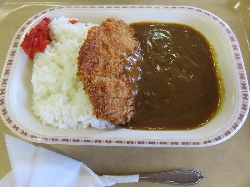 尼崎競艇場の2階レストラン「水明」のカツカレー