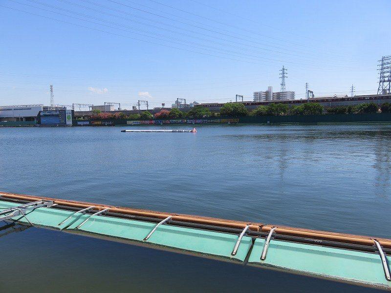 尼崎競艇場の1マーク側水面