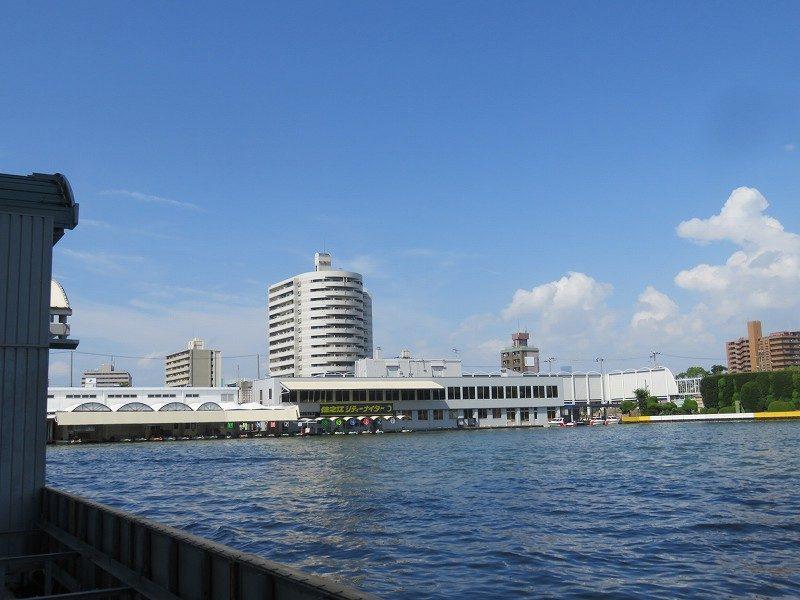 住之江競艇場のピット側水面