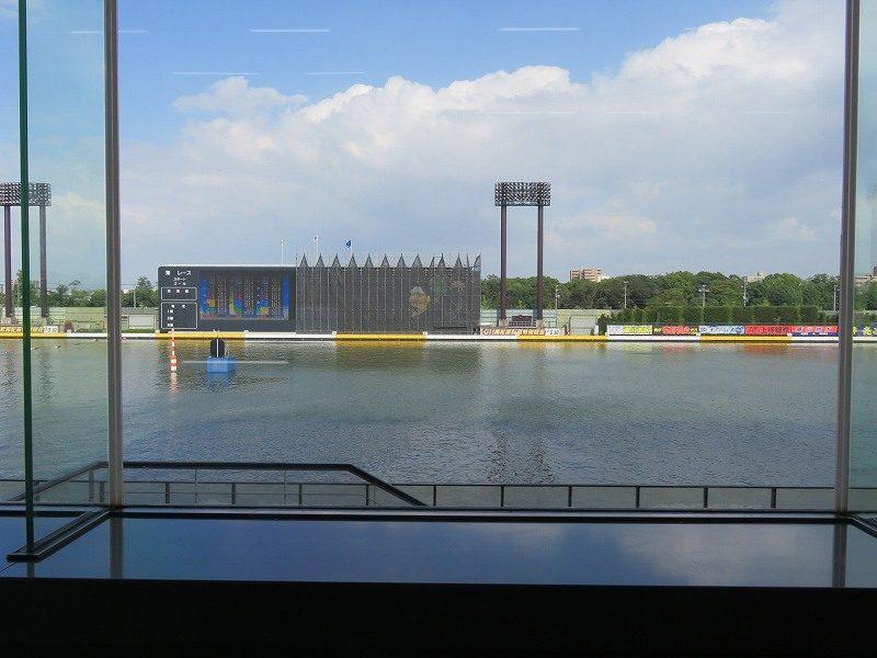 住之江競艇場の2階一般席から見た水面