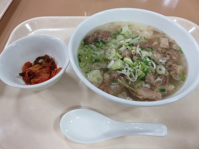 多摩川競艇場のレストラン「ウェイキー」の「牛炊」