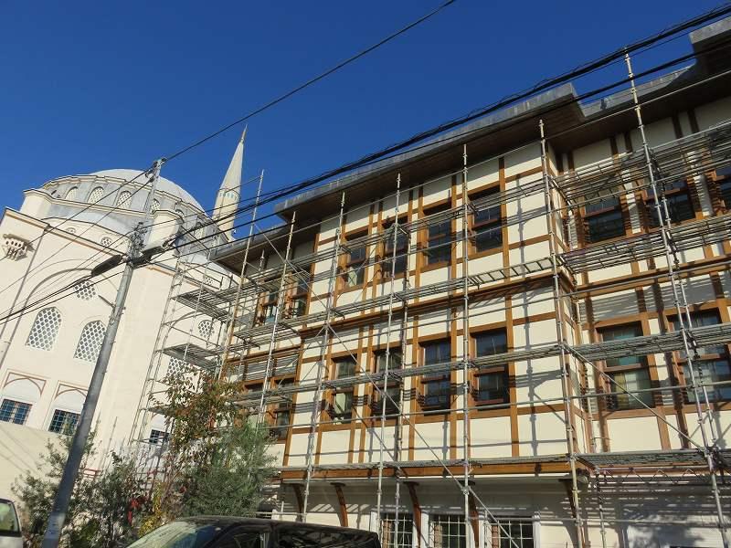 東京ジャーミイとトルコ文化センターの外観
