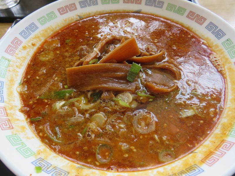 戸田競艇場3階フードコートのラーメン屋「昇龍」の担々麺