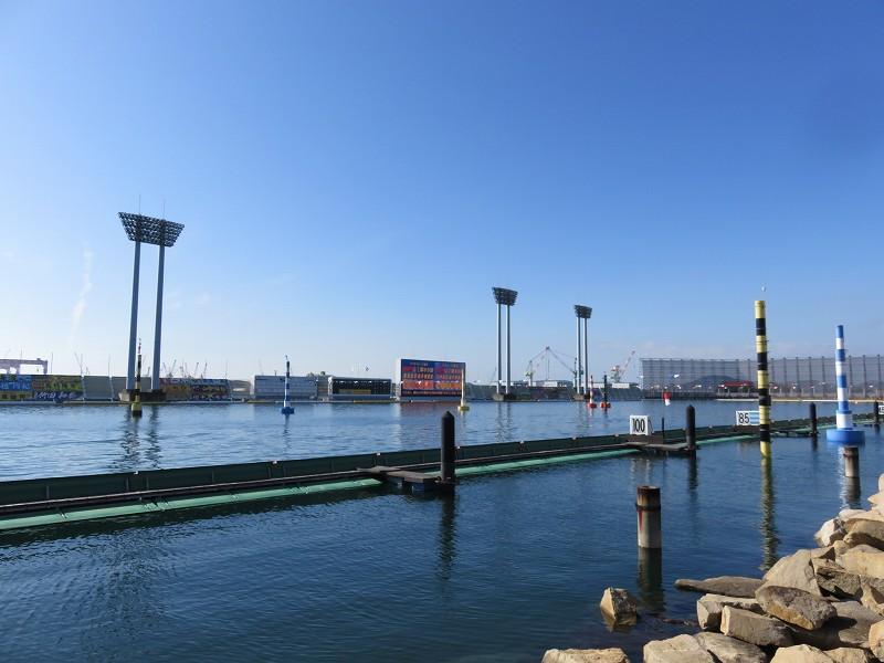 丸亀競艇場の、2マーク側から見た水面